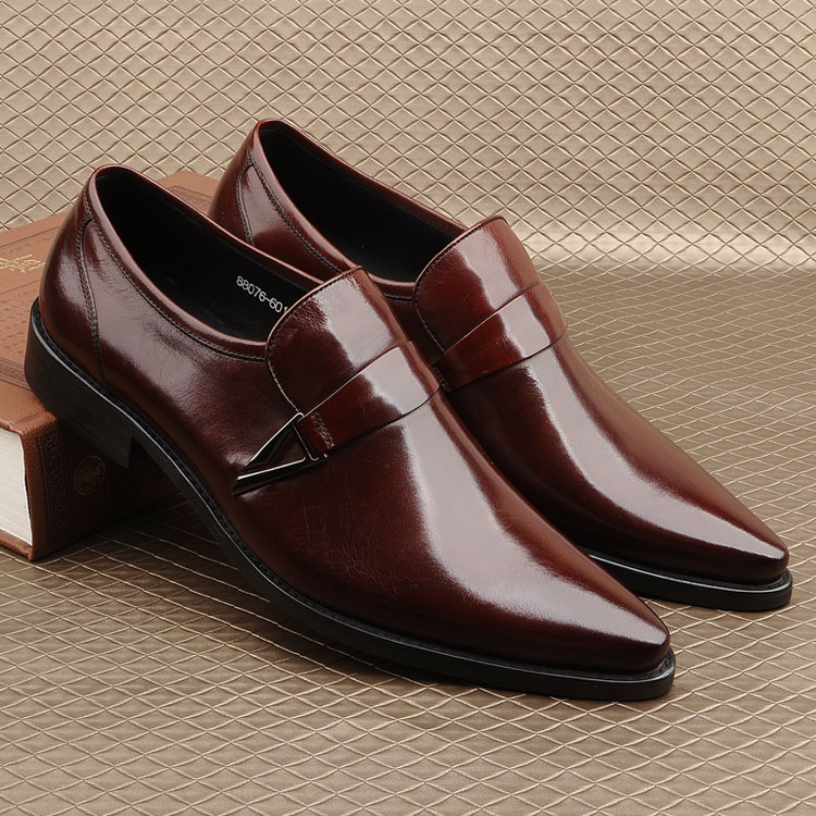 Pointed Toe Man Formal Wedding Oxfords Shoes Slip On 2018 Yellow Wine Red Black Men Dress Real Leather Derby Martin Sapatos