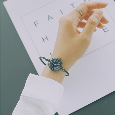 Personality bracelet watch female high school students Korean version of the simple trend of leisure retro atmosphere wind ins cherry powder test watch women junior high school students korean version of the simple dream trend retro cute soft sister