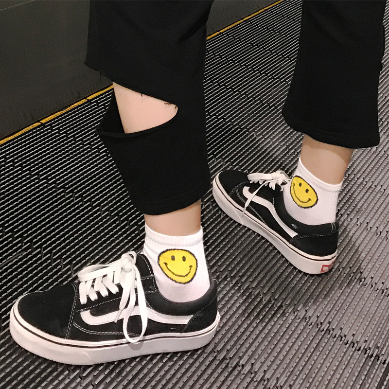 New Stripe Parallel Bar Socks Personality Trendy Classic Smile Pattern Socks Funny Funny Couple Socks