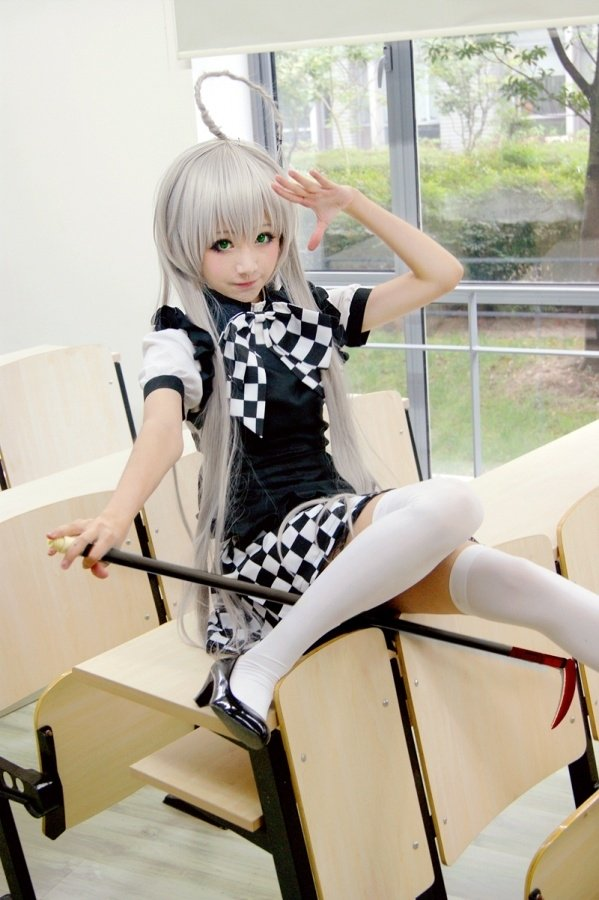 https://ae01.alicdn.com/kf/HTB1ScPzJFXXXXbIXVXXq6xXFXXXI/Haiyoru-Nyaruani-Nyaruko-Costume-Black-White-Checker-Maid-Costume-Cosplay-Costume-Free-Shipping.jpg