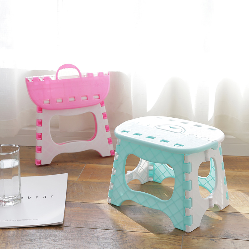 Multi-functional Plastic Children Stool Folding Fishing Stool Small Shoes Seat Children Outdoor Portable Stool Bathing Chair