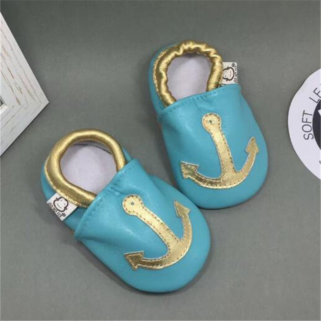 Bonito Bebê Menina Sapatos de Couro Genuíno Slip-on Macio Bebê Vendido Mocassins Menino Da Menina Da Criança sapatos Mocassins chaussure fille infantil