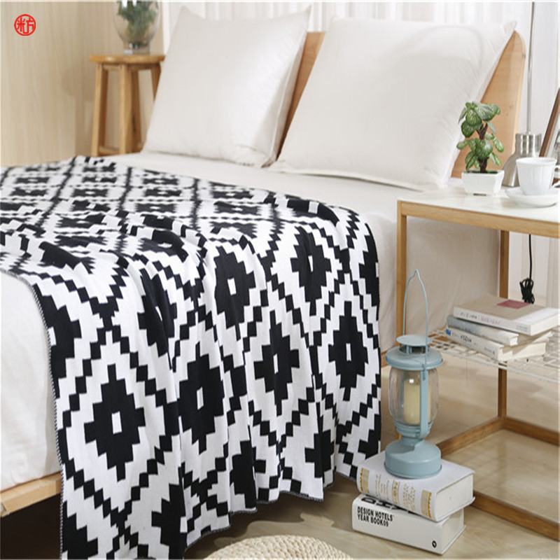 2017 Knitted Blanket Classic Black and White Grid 100%Cotton Soft Portable Blankets for Bed Sofa Cobertor Bedding 120*180cm Gray