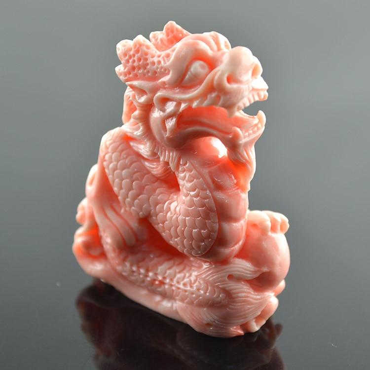 56mm chiński mitycznych stworzeń smok rzeźbione różowy kolor naśladować krwi Tridacna pionowy rdzeń wisiorek 5 sztuk w Wisiorki od Biżuteria i akcesoria na  Grupa 1
