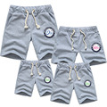 Nuevos cortocircuitos del deporte de la familia juego de ropa pantalones cortos de algodón niños niños mujeres hombres 2016 pantalones calientes del verano de la familia de algodón establece trajes