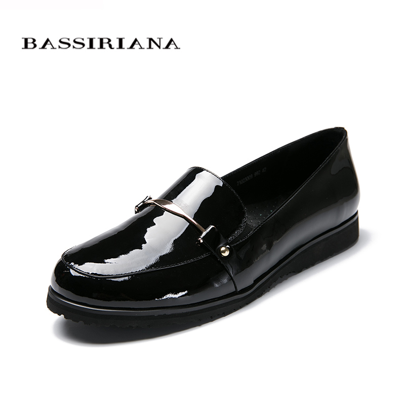 Big size 39-43 Woman flats shoes Genuiene patent leather Slip-On Round Toe Comfortable shoes Fashion Free shipping BASSIRIANA new women flats shoes leather round toe shoe ladies fashion leather girl shoes slip on work footwear spring summer big size