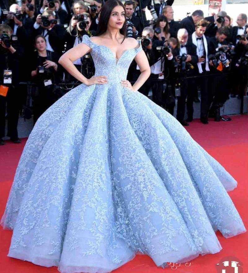 Ice Blue Ball Gown   Prom     Dresses   2019 Off The Shoulder Lace Appliques Evening Gowns Red Carpet Floor Length Celebrity Party