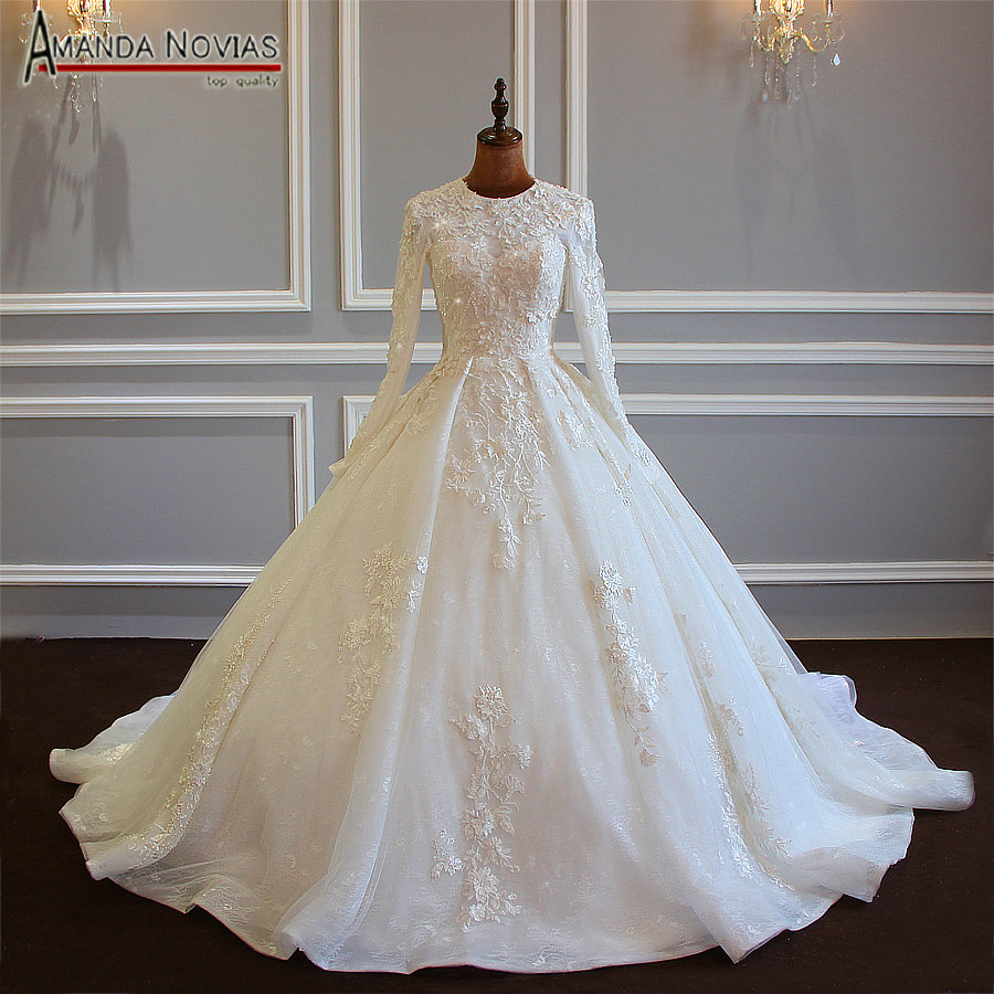2019 New Design Muslim Wedding Dress With Lace Flowers