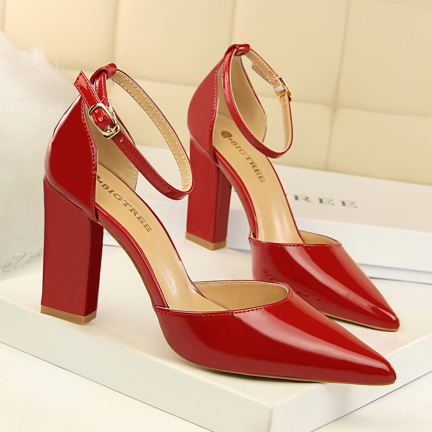 Summer fashion pointed toe high heels pumps women sexy elegant block heels ladies party shoes red black sandals big size big size 40 41 42 women pumps 11 cm thin heels fashion beautiful pointy toe spell color sexy shoes discount sale free shipping