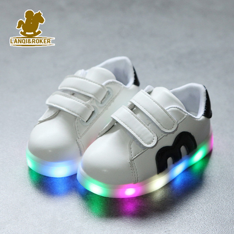 2017 New Children Shoes Kids Light Up Flash Sport Sneakers