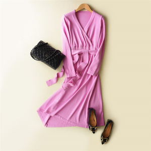 Image 5 - MERRILAMB 2019 האביב האחרון סגנון נשים של סרוג קשמיר צמר שמלה ארוך סגנון מוצק צבע V צוואר שמלות משלוח חינם
