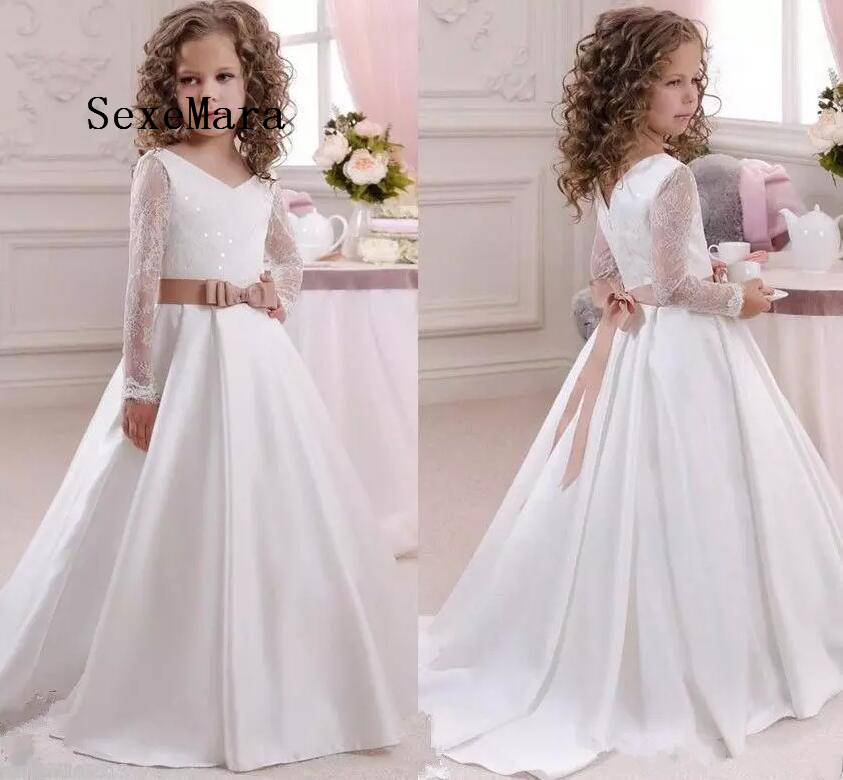 New White Long Sleeves Flower Girl Dresses Princess Gown V Neck Floor Length Pageant With Bow Sash Girls First Communion Dress