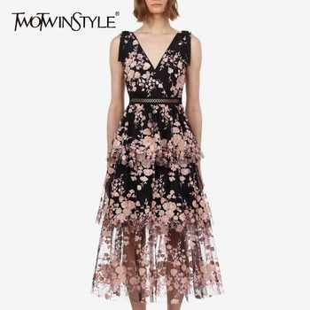 TWOTWINSTYLE Elegant Embroidery Patchwork Women Dress V Neck Sleeveless High Waist Hollow Out Midi Dresses Female Summer 2019 - DISCOUNT ITEM  39% OFF All Category