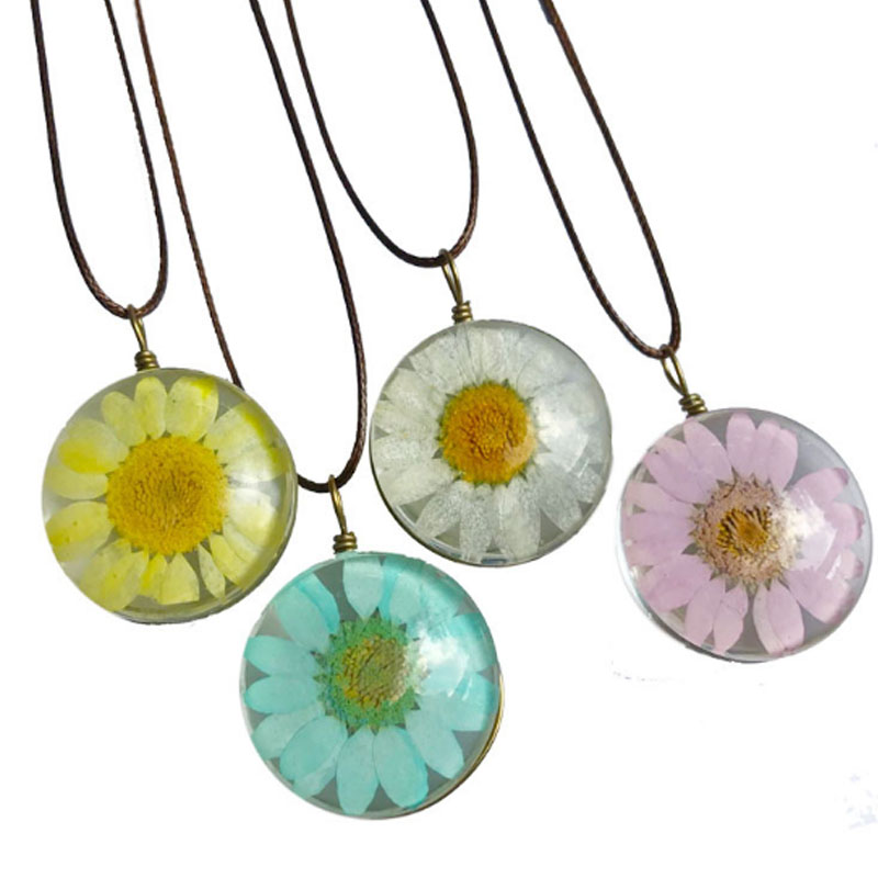 8 Colors Boho Clear Transparent Glass Daisy Flower Pendant Necklace Handmade Fashion Charm Chain Women Popular Jewelry Hot Sale