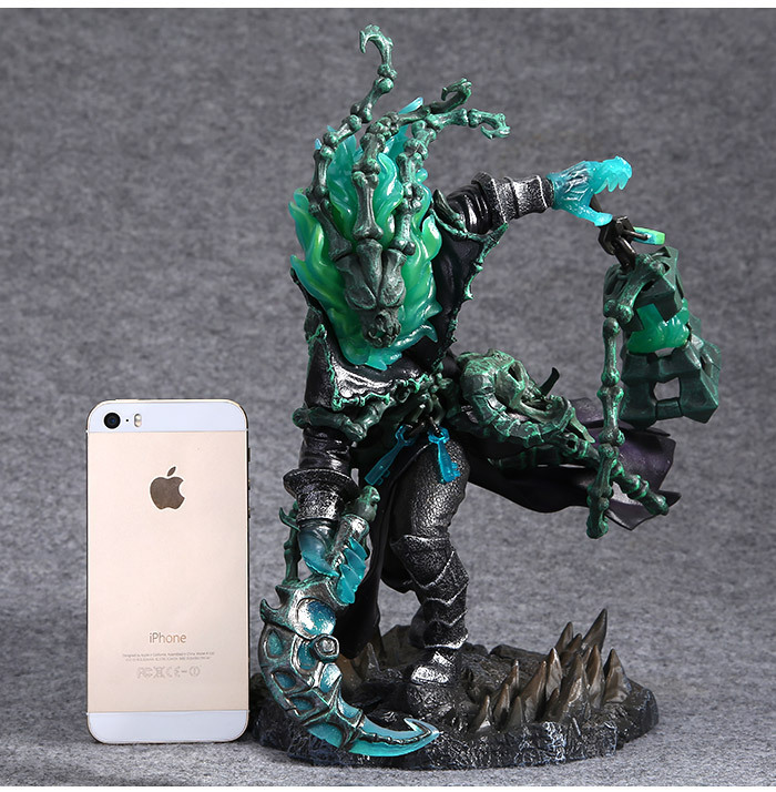 25cm LOL League The Chain Warden Thresh Figure Figurine Statue Toy Anime Figure Collectible Model Toy of Legends titanfall 2 7 inch blisk statue figurine of static game