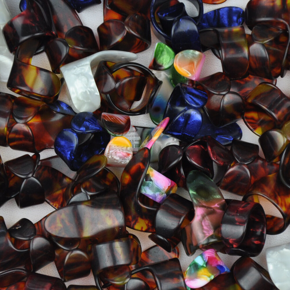 Купить с кэшбэком Lots of 20pcs Celluloid Fingerstyle Guitar Picks Index Finger Ring Shape Multi-Color
