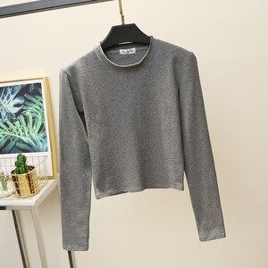 Image 2 - Camiseta básica de manga larga para mujer, Tops cortos, camiseta de estilo coreano para mujer, Camiseta de algodón de partes superiores nuevas 2020