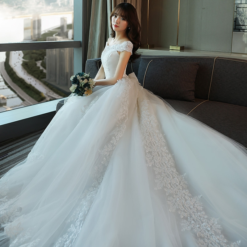 Romantic Women Short Sleeve Wedding Dresses Cathedral Long Tail Lace ...