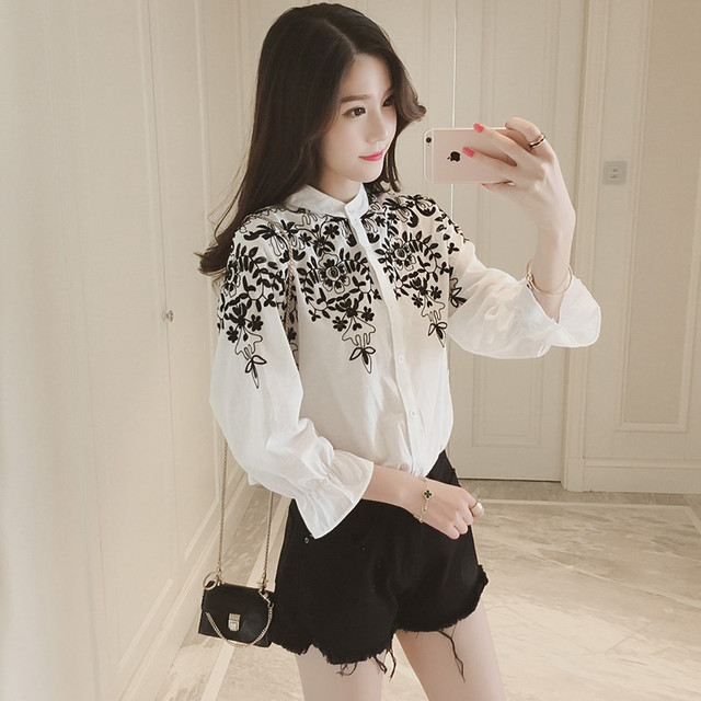 2019 Luxury Women Long Sleeve Embroidery Blouse Shirts Top Holiday Casual Shirts Tops Female Clothes Plus Size 5XL