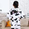 Fotografia Roupas Das Meninas Dos Meninos Do Presente Do Partido Do Miúdo Pijamas Pijamas de Flanela Criança Com Capuz Pijamas Pijamas Animal Dos Desenhos Animados Vaca Cosplay
