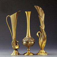 ヨーロッパレトロ孔雀花瓶金属合金ゴールド/ブロンズ小さな花瓶現代のテーブルjardinieクリエイティブホーム装飾花ボトル/水差