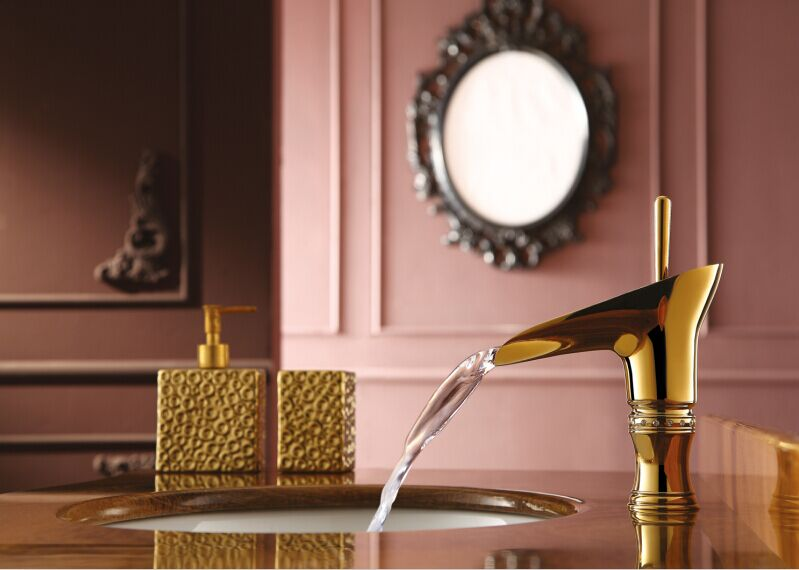 Free ship Modern Gold Clour single hole bathroom lavatory sink faucet mixer tap with crystalFree ship Modern Gold Clour single hole bathroom lavatory sink faucet mixer tap with crystal