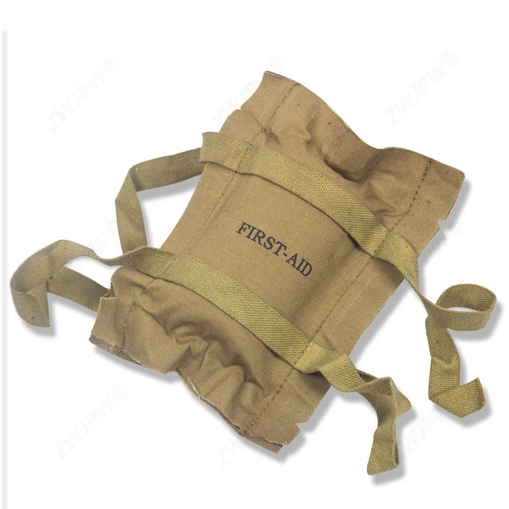 WW2 US MILITARY ARMY TROOPER SOLDIER FIRST AID KIT BANDAGE COLLECTION MEDIC GEAR US/108101