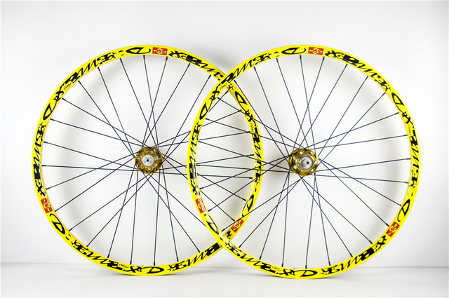 Cheap 26er mtb wheel carbon fiber mountain wheel set front rear AM bike use,one pair painting decals free