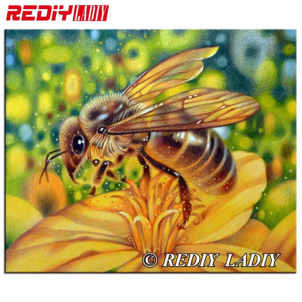 Пчела и цветок для детей