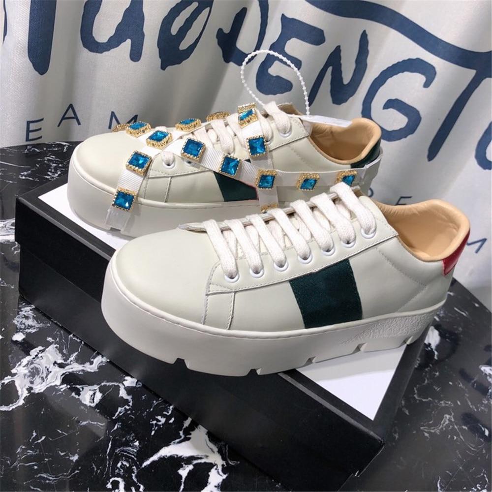 여성 운동화 정품 가죽 새로운 패션 캐주얼 신발 통기성 플랫 화이트 여성 신발 봄 가을 대형 35 40-에서여성용 플랫부터 신발 의  그룹 1