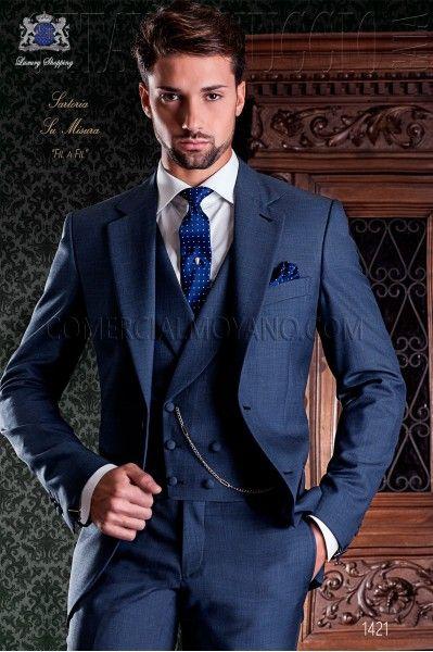 Nueva llegada diseños italiano azul marino pantalones 3 unidades Tuxedo  prom Trajes Custom clásica chaqueta novio terno masculino en Trajes de La ropa  de ... a5d7ad806b4