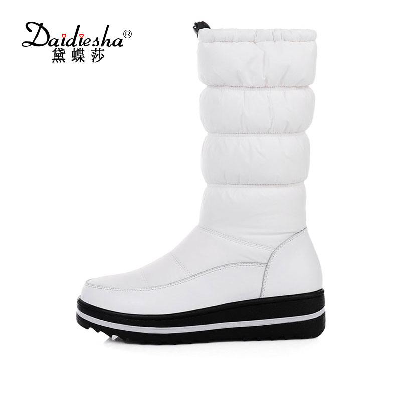 Daidiesha 2017 Snow Boots Women Fur Warm Winter Knee High Boots With Slip on Low Heel Platform Shoes Botas Zapatos Mujer lloprost ke faux fur ankle boots women casual shoes botas slip on platform low heel mujer winter autumn boots big size zz041