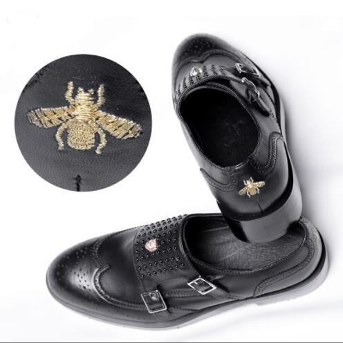 E Vestido 2019 Menke Fivelas Sapatos Com Low Bordado cut Abelha Criados Preto Derby Pico PWqHXv7Sq