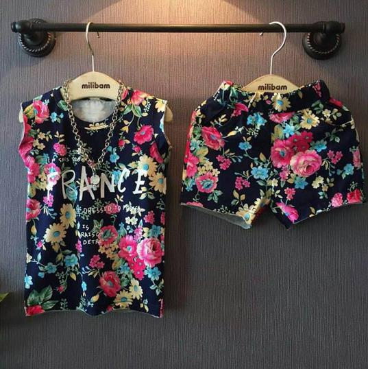 2016 summer new girls clothing sets retro color flowers letters t-shirts+ shorts suit fashion kids clothes
