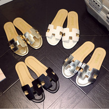 2017 Summer H Letter W Slippers Fashion Flat Heel Home Bathroom Slip-resistant Slippers Female Beach Grag Sandals