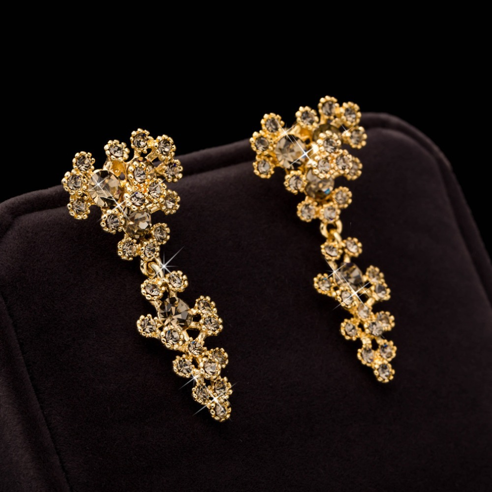 New Designer Gold Plated Vintage Flower Crystal Dangle Drop Earrings For Women Statement Long Indian Jewelry Brincos In From