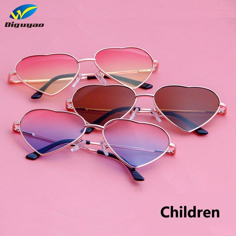 DIGUYAO בני בנות מתכת מסגרת ססגוני ילדים משקפי שמש מותג מעצב ציפוי אופנה בנות ילדי לב בצורת משקפיים