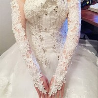 Bride Hollow Lace Wedding Gloves Lengthened Bridal Gloves Red White Ivory Fingerless Long Wedding Accessories 2017