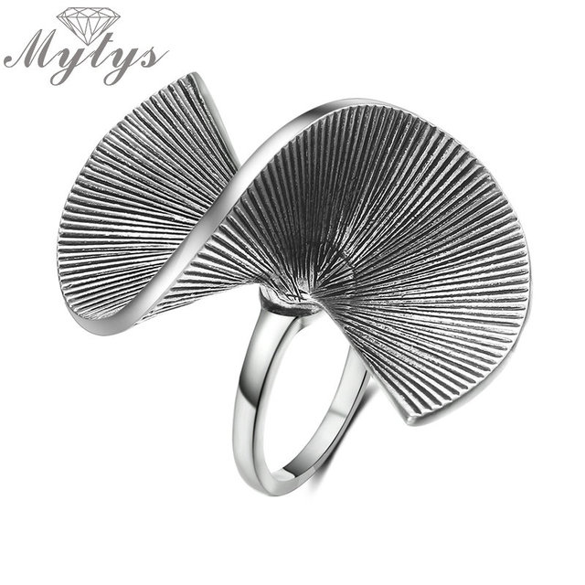 Mytys Vintage Old Silver Retro Punk Metal Rings for Women Wrap Geometric Design