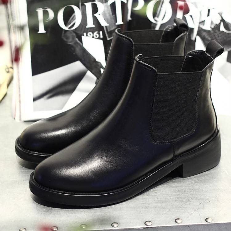 5e577c7eae2e2 New Brand British Style 2015 Women Genuine Leather Boots Casual Flat Martin  Black Booties Female Chunky Boots De Mujer AL769-in Ankle Boots from Shoes  on ...