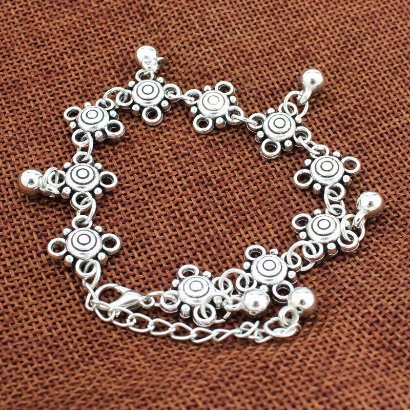 New Vintage Carved Flower Foot Bracelets For Women Sexy Silver Pendant Bell Ankle Chain Foot Jewelry Holiday Accessories