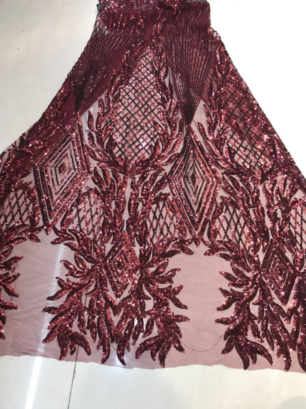 Fashion high quality sequins Embroidery african lace fabric with sequins French Net Lace Fabric party dressFashion high quality sequins Embroidery african lace fabric with sequins French Net Lace Fabric party dress