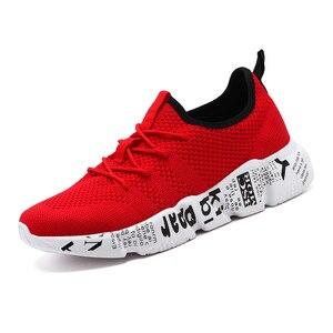 Image 4 - QGK 2019 حذاء رجالي عارضة عالية الجودة أزياء نمط حذاء رجالي مريحة شبكة في الهواء الطلق المشي الركض رياضية تنيس Masculino