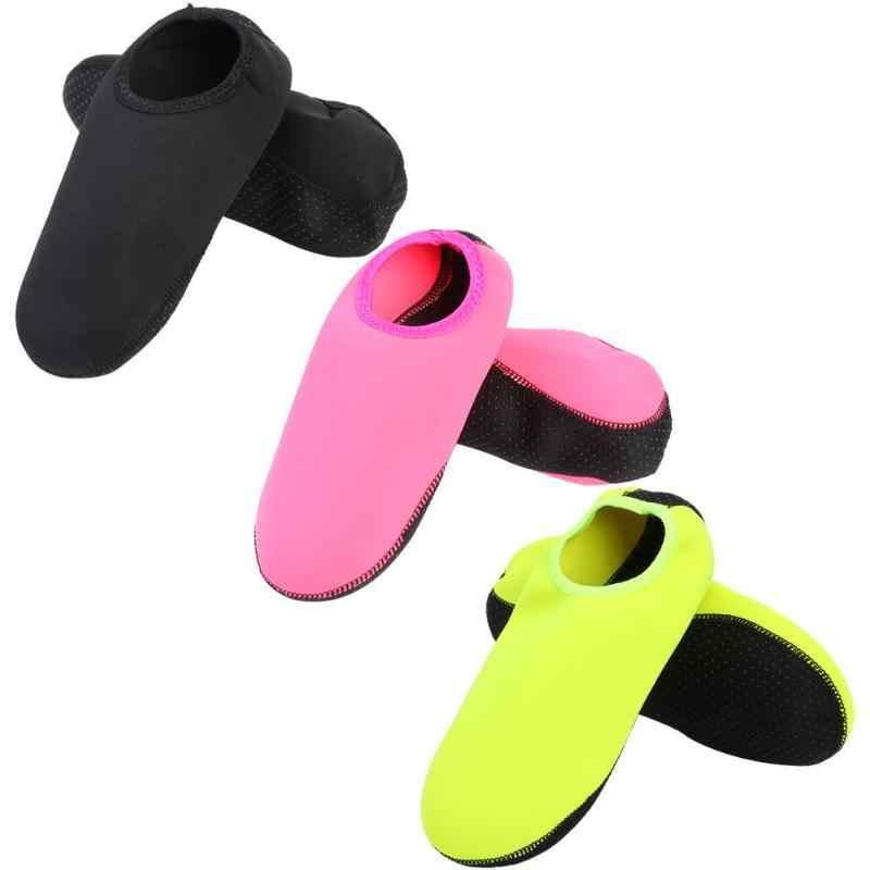 Erkekler Kadınlar su ayakkabısı Katı Renk Yüzme Ayakkabı Yaz Aqua plaj ayakkabısı M-XXL 33-41 Boyutu Yüzmek Spor Sahil Çorap