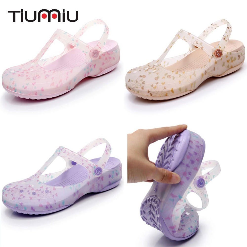 2019 New Nurse Medical Shoes Printed Hole Shoes Hospital Laboratory Beauty Salon Comfortable Soft Bottom Anti-Slip Work Shoes
