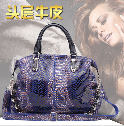 34x30CM European and American fashion elegant snakeskin pattern high-capacity Layer imported leather leather trend handbag A2493