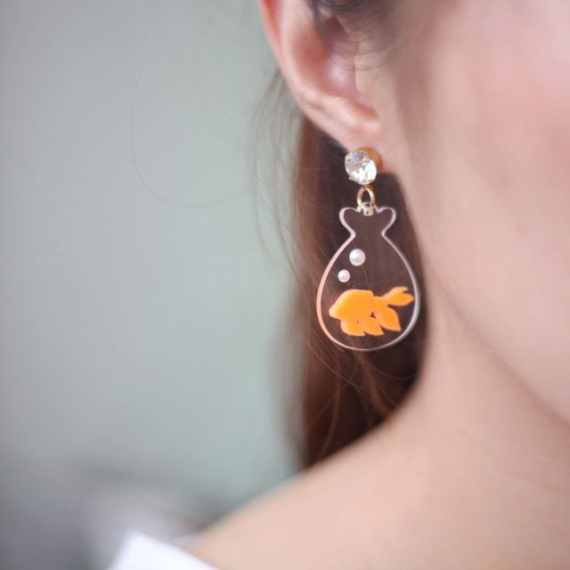 New Fashion Personality Women Acrylic Jewelry Goldfish Earrings With Bottle