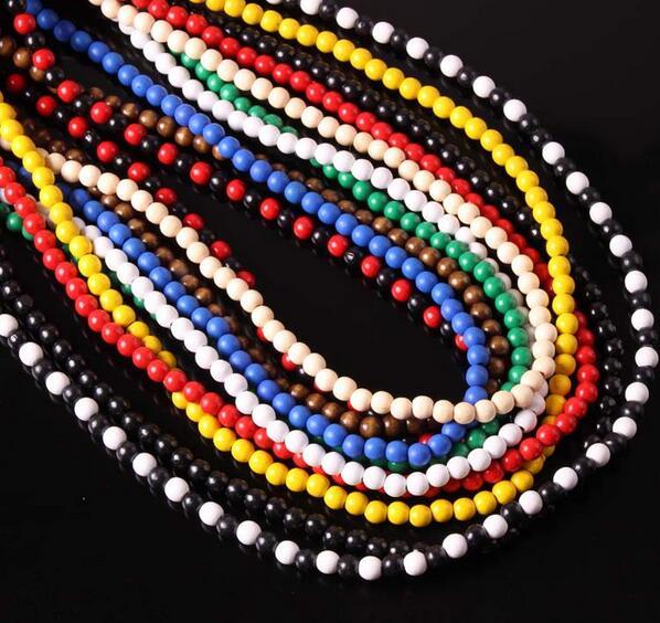 a1419986fcbb Nueva llegada collar de cadena de cuentas de madera natural para Mujeres  Hombres personalidad multicolor madera collar de estilo simple joyería de  moda en ...