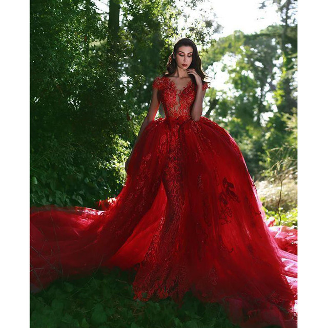 Gorgeous Red Mermaid Wedding Gowns with Detachable Tulle Train Fashion  Appliqued Lace Bridal Gowns 2018 Arab Banquet Party Dress 606d37b138e8