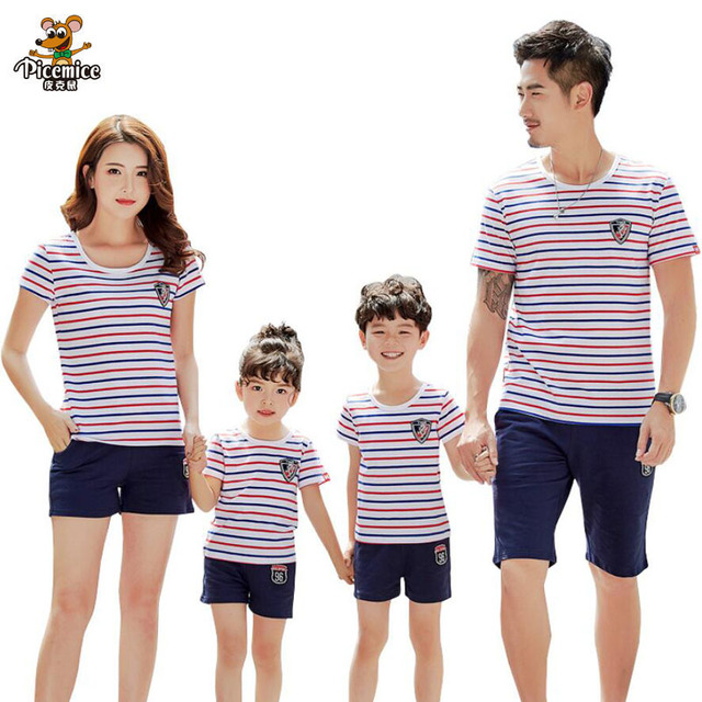 6273408d17593 Family Matching Outfits 2019 Summer Family Clothes Set Striped Father Son  Mother Daughter T-shirt Short Pant Family Clothing